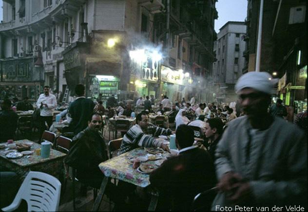 photoq-egypte-djoser-april-2002-c-peter-van-der-velde