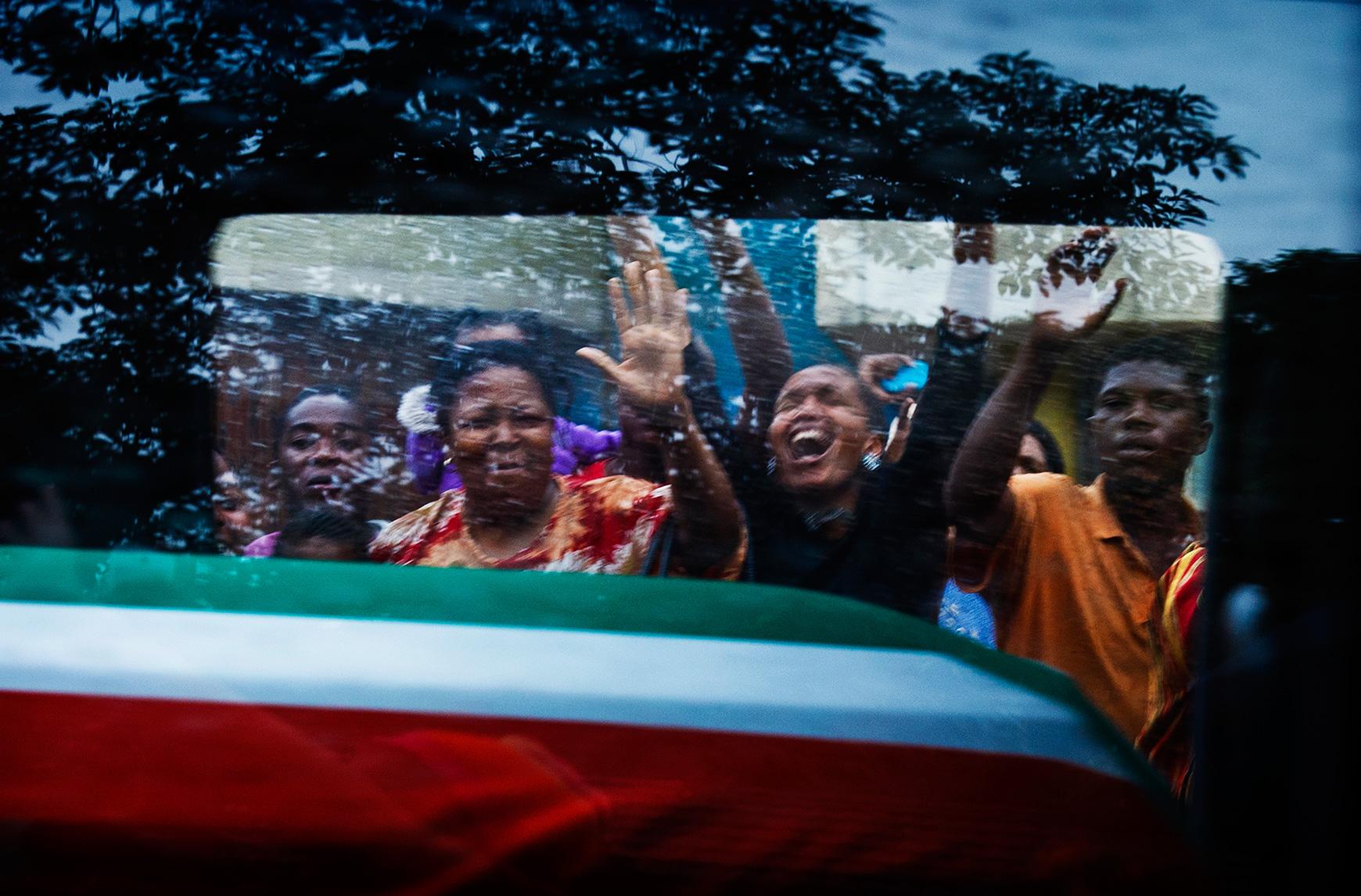 Winnaar Zilveren Camera 2013: Begrafenis Nelson Mandela, foto Ilvy Njiokiktjien