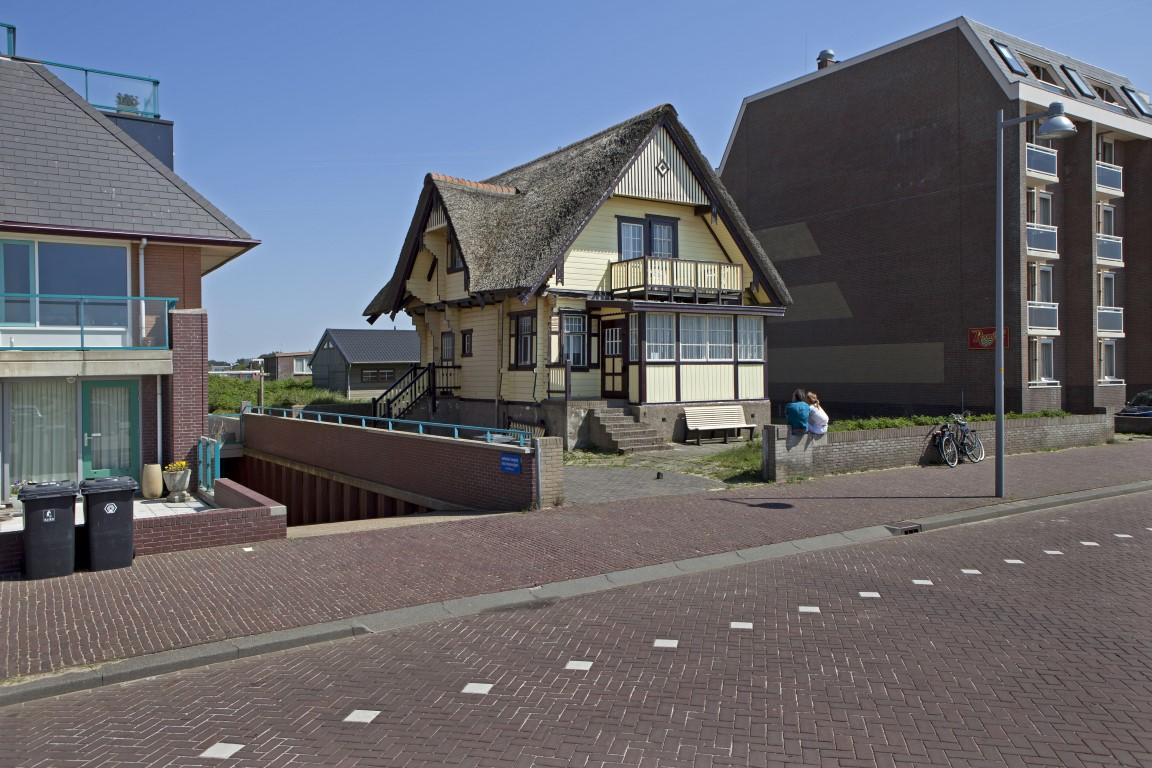 Foto Hans van der Meer, C.F. Zeiler Boulevard, Bergen aan Zee, 2012