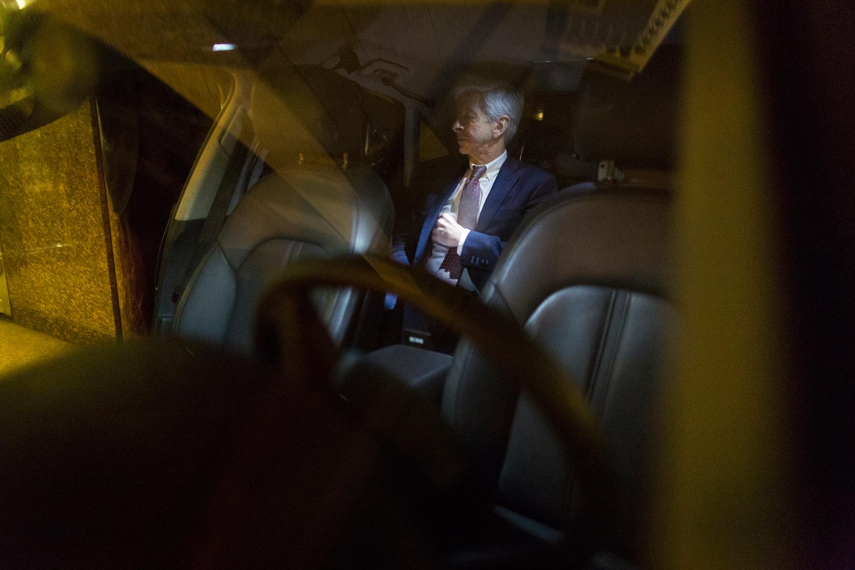 Minister Plasterk na het NSA-debat - Foto David van Dam